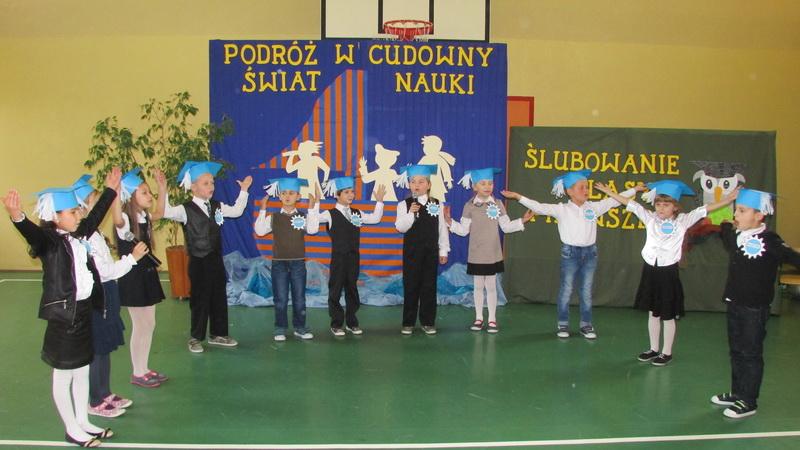 ślubowanie Klas Pierwszych W Szkole W Kończycach Kolonii